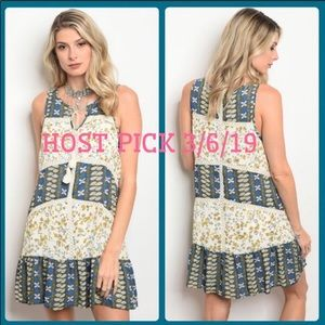 Dresses & Skirts - 🎉HOST PICK🎉 Floral Dress Blue w/yellow flowers